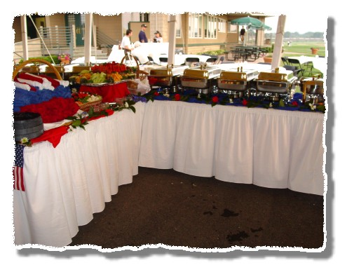 Wholesale Disposable Table Covers - Linen Like, Paper, and Plastic